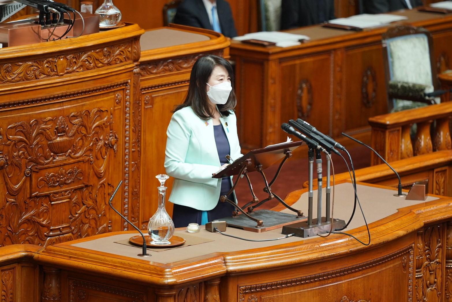 【参本会議】矢田副代表が「子ども・子育て支援法及び児童手当法改正案」について質疑